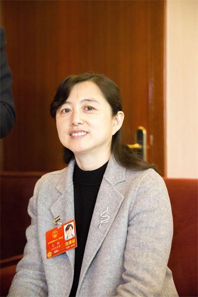"""全国人大代表王娟:""""慢火车""""不会停开也不涨价"""