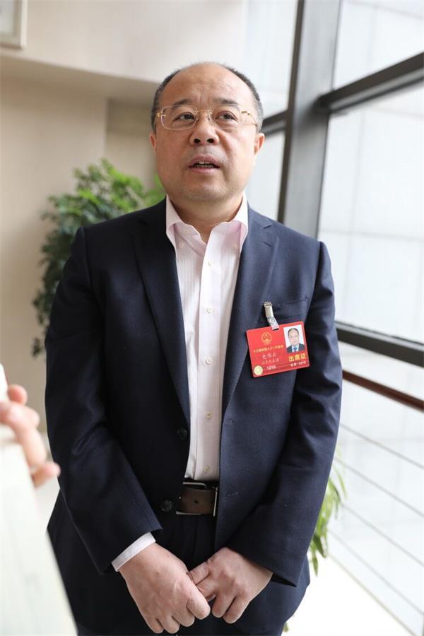 全国人大代表史伟云:增强公民捐献意识 完善角膜捐献立法