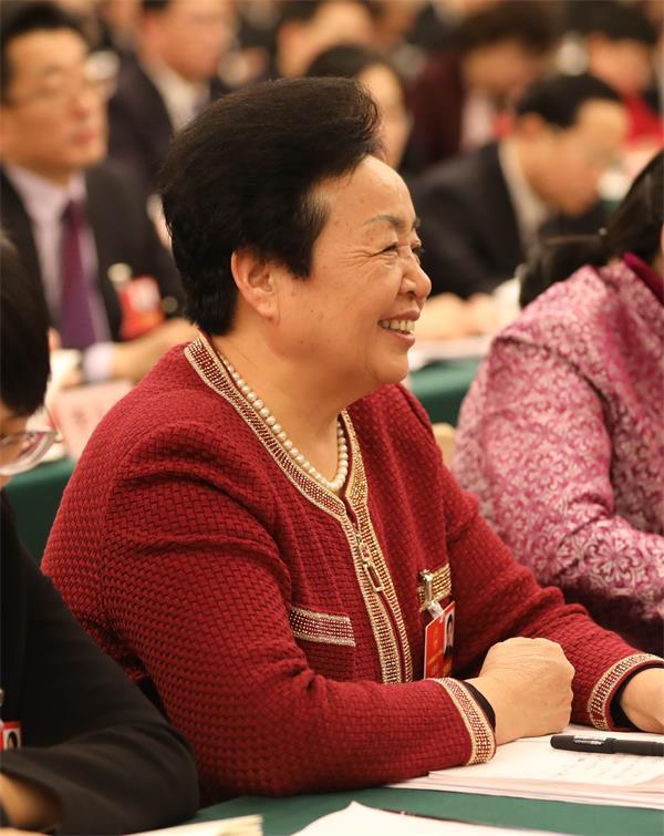 全国人大代表王银香:济南的天蓝地绿水清让我印象深刻